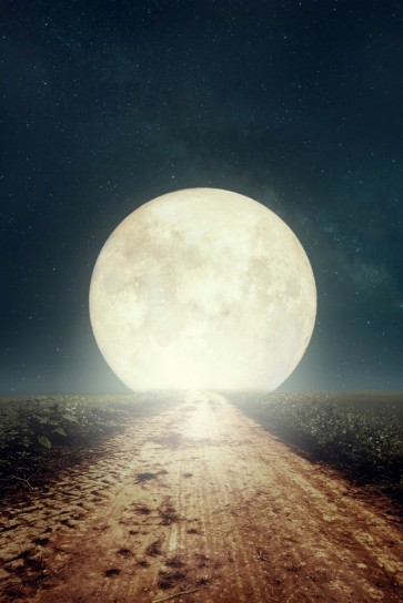 Full Moon in the Way