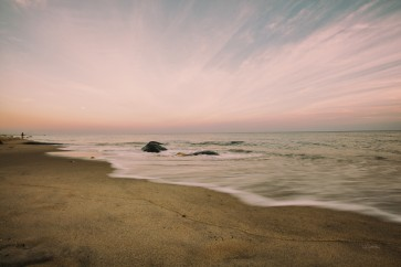 Pela Studio - Beach Rays