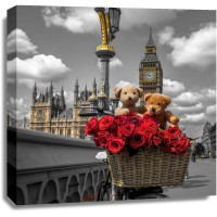 Assaf Frank - Bicycle with bunch of flowers on Westminster Bridge, London, UK