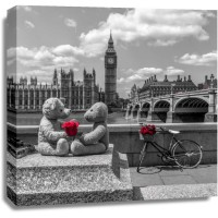 Assaf Frank - Teddy Bears with red rose agasint Westminster Abby, London, UK